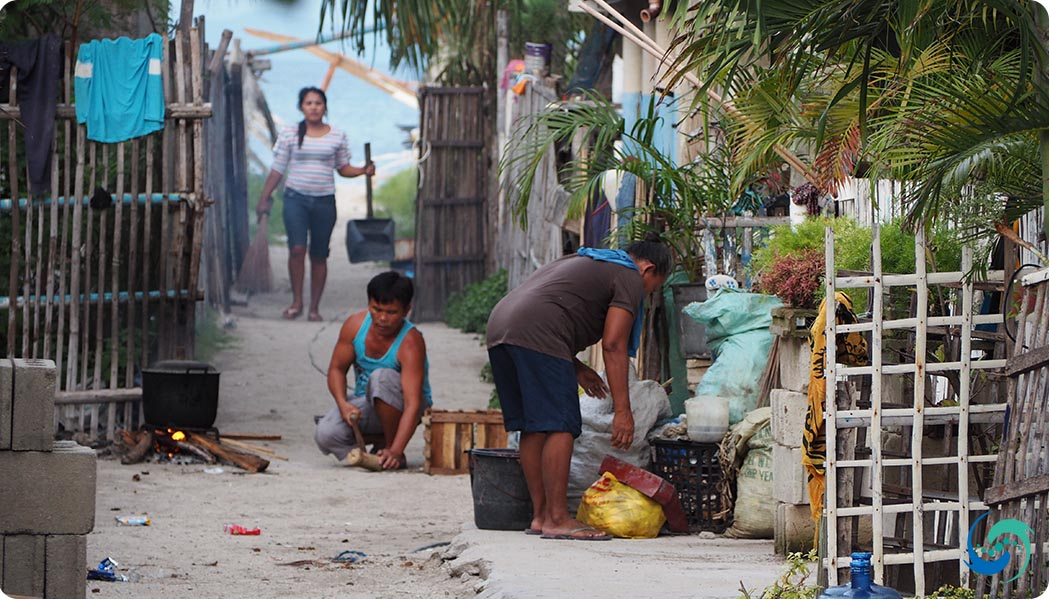 You dont have to try hard to get a glimpse of local life in the Philippines